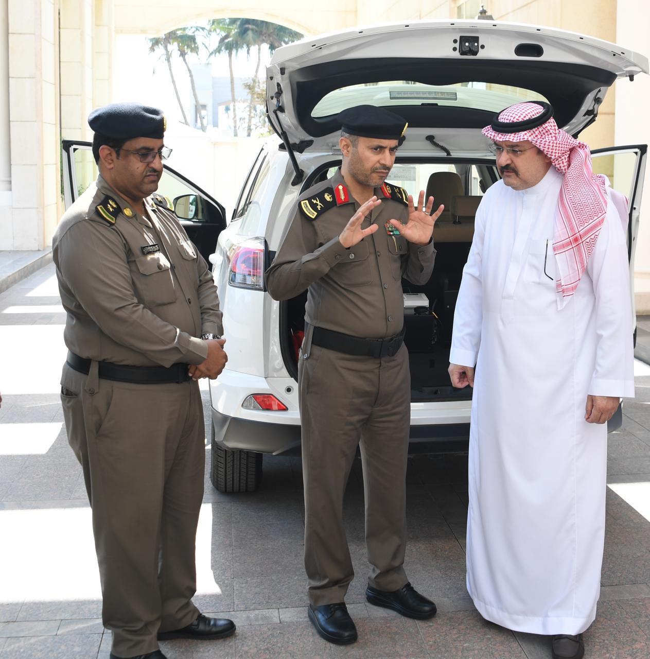 الأمير مشعل بن ماجد يطّلع على نظام الرصد الآلي الثابت والمتحرك للمخالفات المرورية بجدة