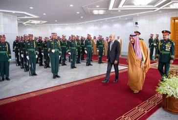 خادم الحرمين الشريفين يستقبل رئيس موريتانيا ويقيم مأدبة غداء تكريماً له