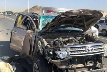 إصابة 8 أشخاص في حـادث تصادم على طريق النوارية بمكة