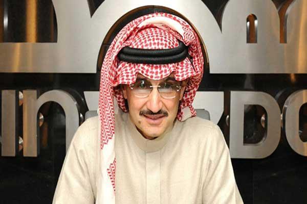 الوليد بن طلال يستقبل مجلس إدارة ولاعبي نادي جدة ويكافئهم بنصف مليون ريال