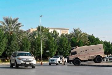 """صور.. """"الحرس الوطني"""" يقيم نقاط تفتيش أمنية لتنفيذ قرار منع التجول بالمملكة"""