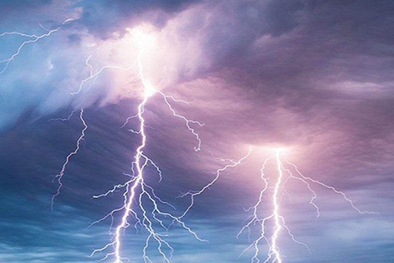 طقس السبت: هطول أمطار رعدية تصحب برياح نشطة على بعض مناطق المملكة