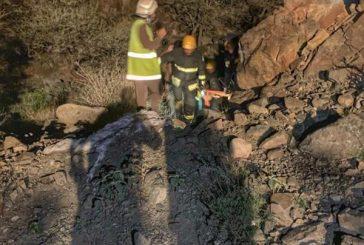 إنقاذ 3 مواطنين بينهم طفل فقدوا وسط منطقة جبلية بالطائف