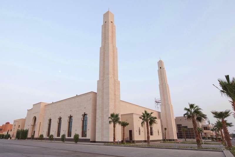 وزير الشؤون الإسلامية يوجه بعدم إقامة صلاة عيد الفطر في مساجد ومصليات المملكة