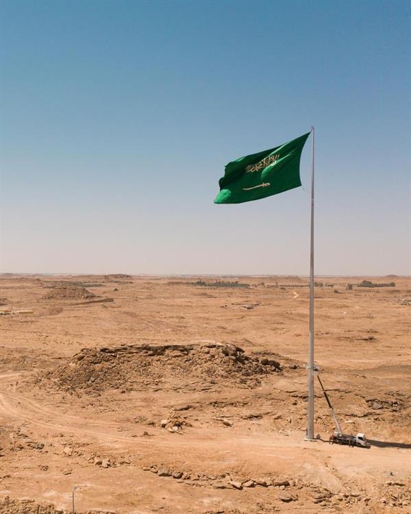 الانتهاء من نصب أطول سارية علم بالجوف (صور)
