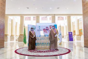 أمير الباحة يضع حجر الأساس لعدد من مشروعات الطرق بالمنطقة