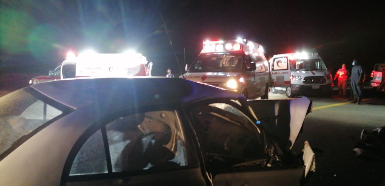 حالتا وفاة و ٤ اصابات بحادث على طريق الساحل شرق عمق