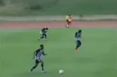 شاهد.. صاعقة تـضرب لاعبين خلال مباراة كرة قدم في جامايكا