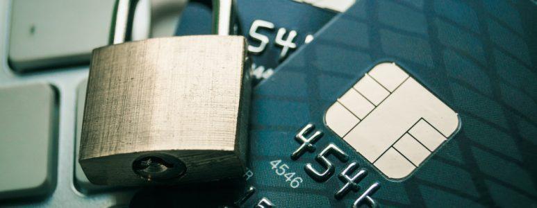 """""""البنوك السعودية"""" تحذّر المواطنين والمقيمين من 7 أشكال للاحتيال المالي"""