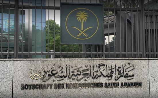 """""""السفارة السعودية في لبنان"""" تدعو رعاياها إلى الإسراع بالتواصل معها تمهيداً لمغادرة البلاد"""