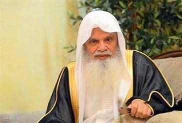 شاهد.. الشيخ الحذيفي يؤم المصلين بالمسجد النبوي بعد شفائه من العارض الصحي