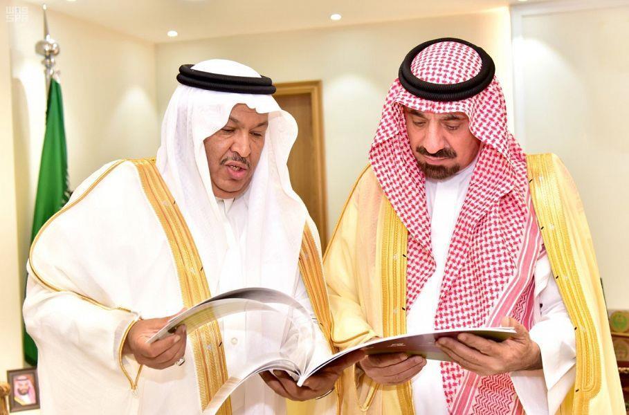 أمير نجران يشدّد على محاسبة المقاولين المتسببين في تعثر المشاريع