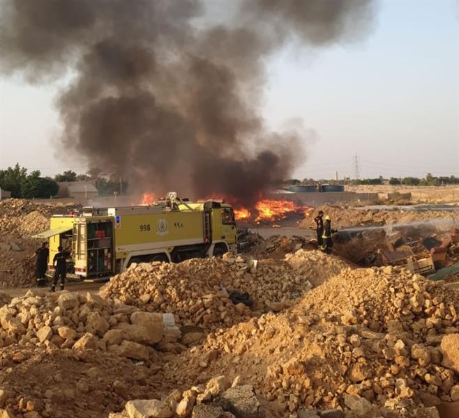 اندلاع حريق في مخلفات بأرض فضاء بحي قرطبة