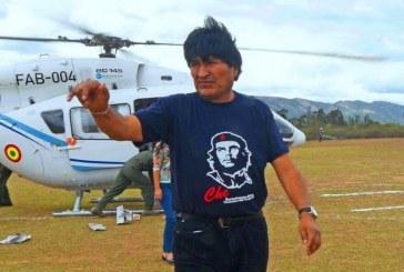 شاهد.. رئيس بوليفيا ينجو من موت محقق بعد تعطل طائرته الهليكوبتر في الهواء