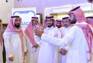 """إطلاق خدمة """"إشارة"""" لمساعدة المسافرين الصُّم في مطار جدة"""