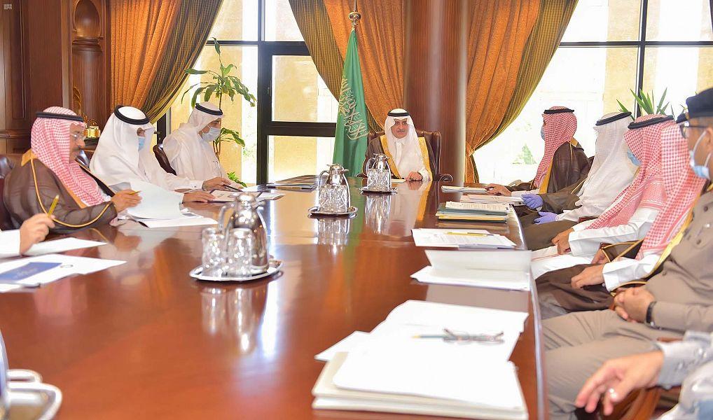 سمو أمير تبوك يرأس اجتماع اللجنة التنفيذية للبرنامج الوطني للتنمية المجتمعية في المناطق