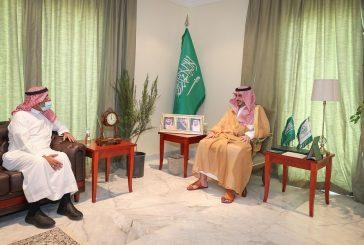 الأمير فيصل بن نواف يستقبل الرئيس التنفيذي لشركة الجوف الزراعية