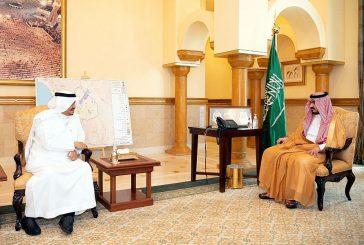 سمو الأمير بدر بن سلطان يستقبل وزير الحج والعمرة
