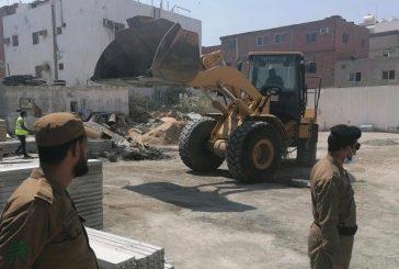 بالصور .. لجنة إزالة الأنشطة الصناعية غير المرخصة والموجودة داخل أحياء جدة تواصل أعمال المتابعة والإزالة