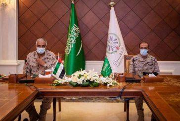 قائد القوات المشتركة المكلف يلتقي قائد القوات البرية الإماراتية