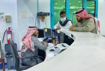 محافظ العقيق يتفقد المنومين بسبب التسمم في مستشفى المحافظة