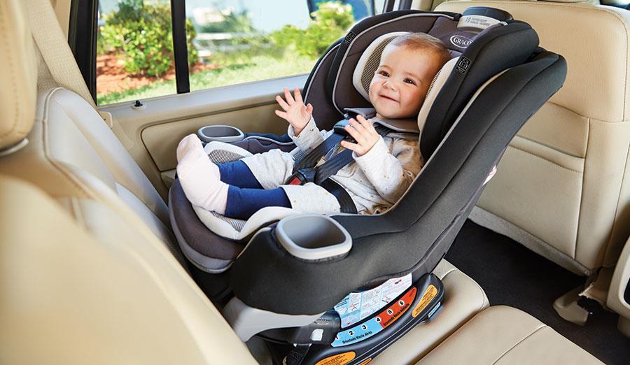 """""""المرور"""" يحذر من تجاهل استخدام مقاعد الأمان المخصصة للأطفال داخل المركبة"""