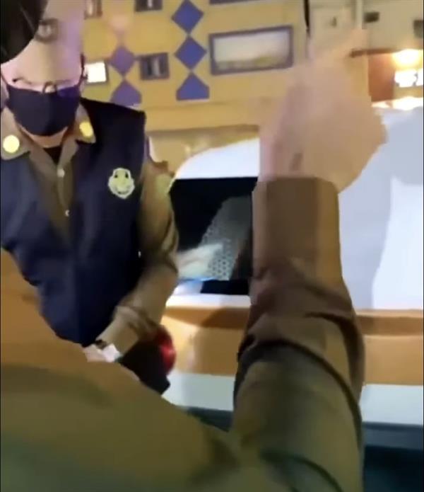 رجال الأمن یرصدون مخالفات الذوق العام في الباحة