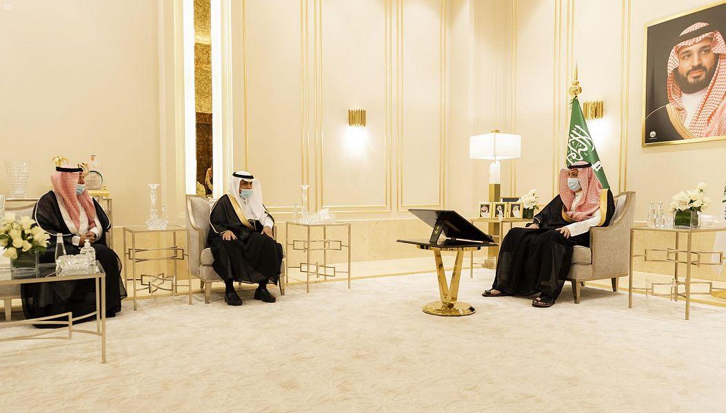 أمير منطقة الباحة يستقبل عضو مجلس الشورى ومدير فرع وزارة السياحة بالمنطقة المعين حديثا