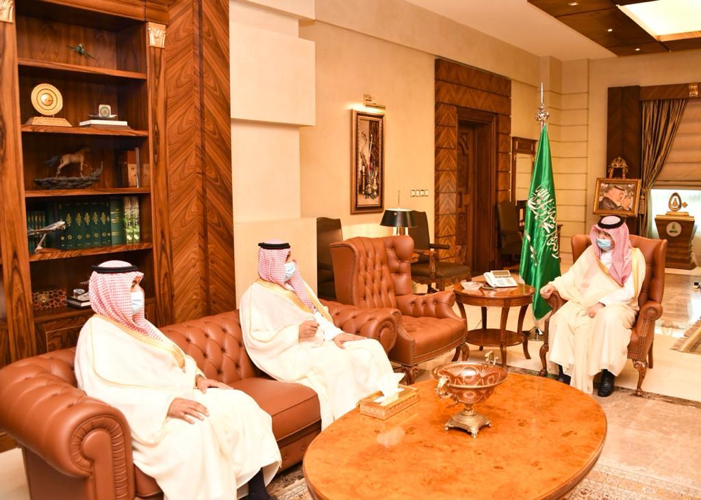 الأمير مشعل بن ماجد يستقبل مديري عام الأحوال المدنية بمنطقة مكة المكرمة السابق والمعيّن حديثاً