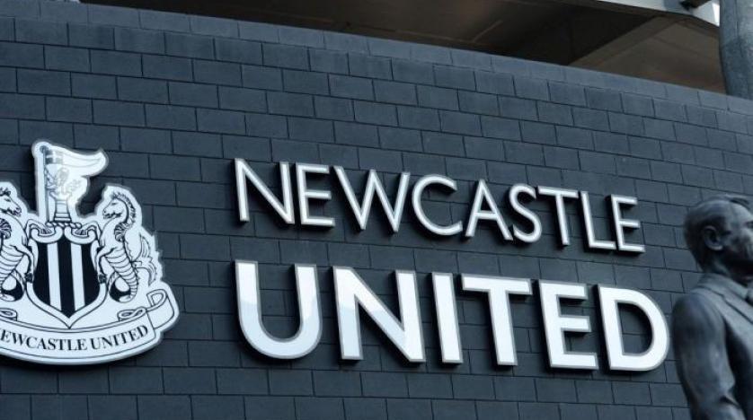 """""""نيوكاسل"""" يقاضي رابطة الدوري الإنجليزي بسبب فشل صفقة استحواذ """"صندوق الاستثمارات"""" على النادي"""