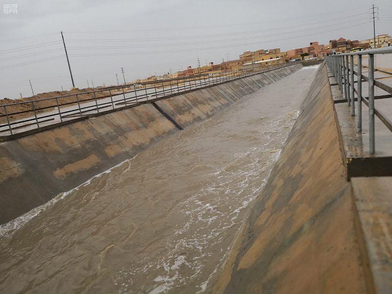 أمين حفر الباطن ينفي ما يتداول عن صدور قرار بنزع ملكية العقارات لمشروع تصريف مياه الأمطار