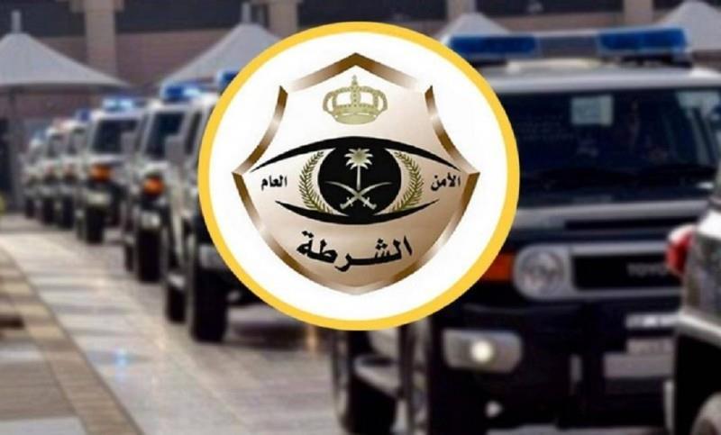 """""""شرطة الرياض"""" تداهم معملاً لتزوير الإقامات ورخص السير وتقبض على عدد من المخالفين"""