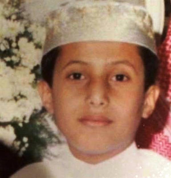 تركي آل الشيخ يشارك متابعيه صورة له في مرحلة الطفولة