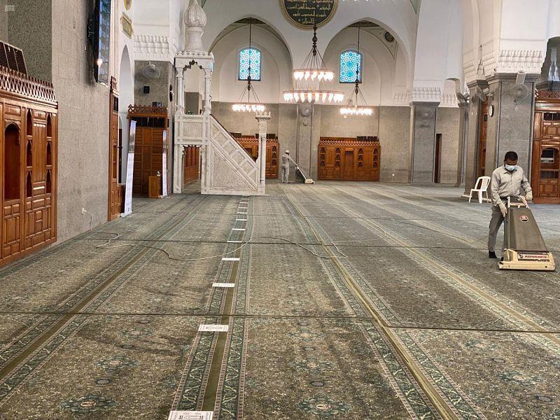 """""""الشؤون الإسلامية"""" تغلق 10 مساجد مؤقتاً بـ 5 مناطق بعد ثبوت 12 إصابة بكورونا"""