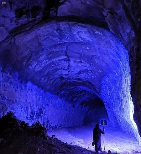 """""""المساحة الجيولوجية"""": هناك عشرات الكهوف في المملكة ونعمل على اكتشاف تجاويف تحت سطح الأرض وفتحها أمام السياح"""
