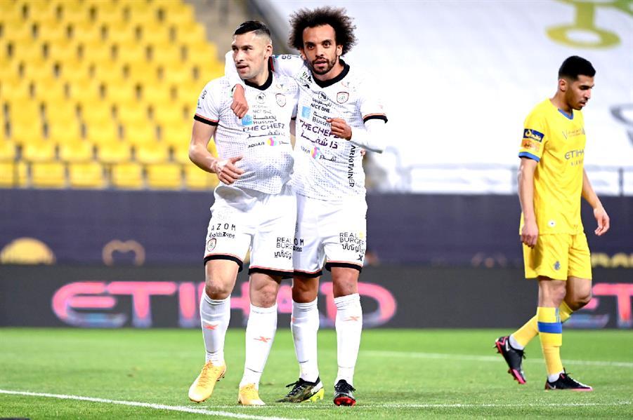 بتال القوس بعد خسارة النصر برباعية: سلموا ناديهم لرجل لا يعرف من كرة القدم إلا أنها مدورة