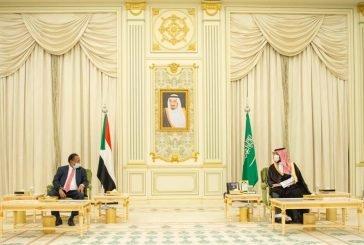 ولي العهد يبحث مع رئيس الوزراء السوداني سبل تطوير العلاقات بين البلدين