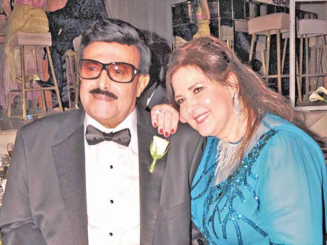 تدهور الحالة الصحية للفنان سمير غانم وزوجته دلال عبدالعزيز بعد إصابتهما بفيروس كورونا
