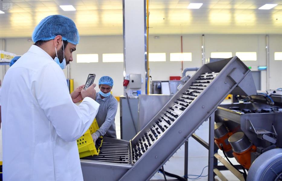 """أكثر من 850 شركة تتقدم بطلبات للانضمام إلى برنامج """"صُنع في السعودية"""""""