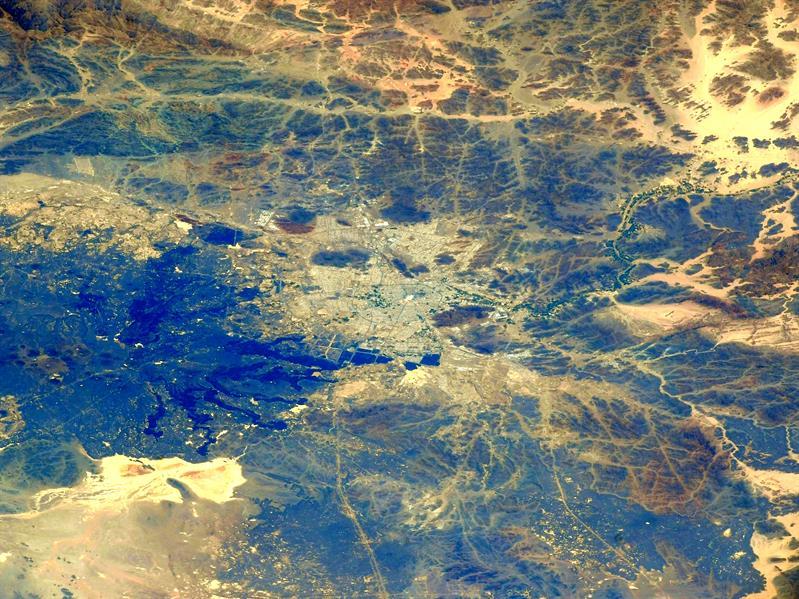 رائد فضاء ياباني ينشر صورة ملتقطة من الفضاء للمدينة المنورة