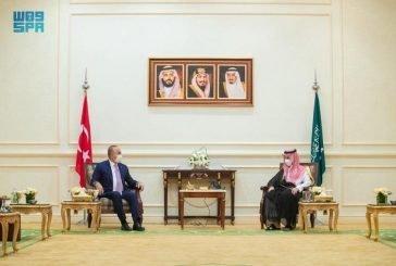 وزير الخارجية يستقبل نظيره التركي ويبحثان العلاقات بين البلدين