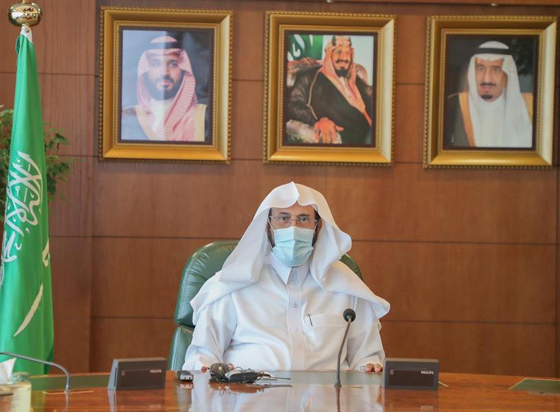 """وزير """"الشؤون الإسلامية"""" يطلع على 3 مشروعات رقمية"""