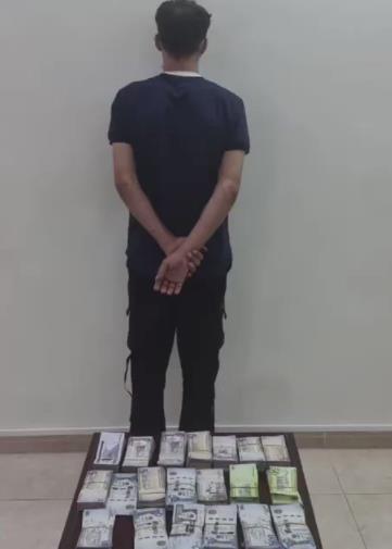 ضبط مواطن تورط بسرقة 100 ألف ريال من إحدى المؤسسات التجارية بالطائف