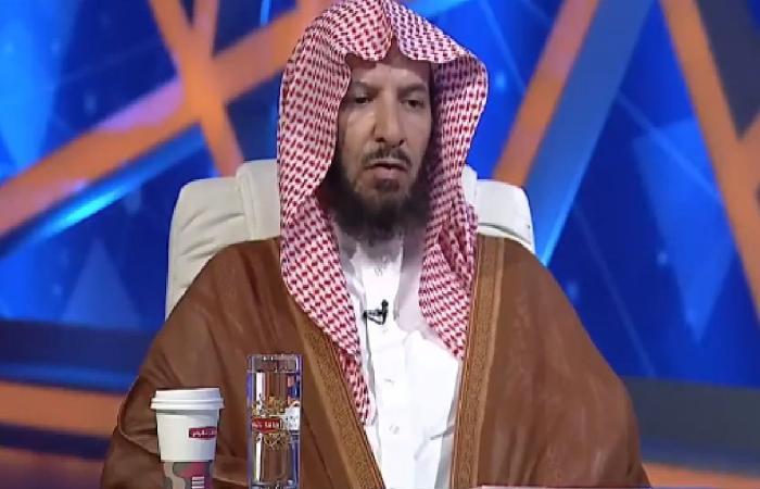 """الشيخ """"الشثري"""" يظهر في برنامج للفتاوى ويعدد مآثر الراحل"""
