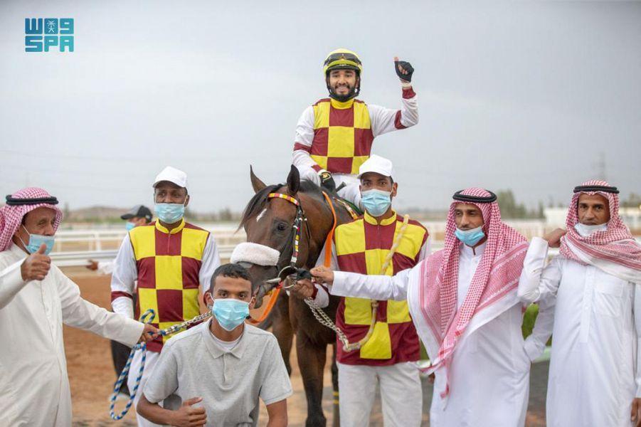 نادي سباق الخيل يقيم حفل سباقه الخامس ضمن موسم سباقات الخيل للمصيف