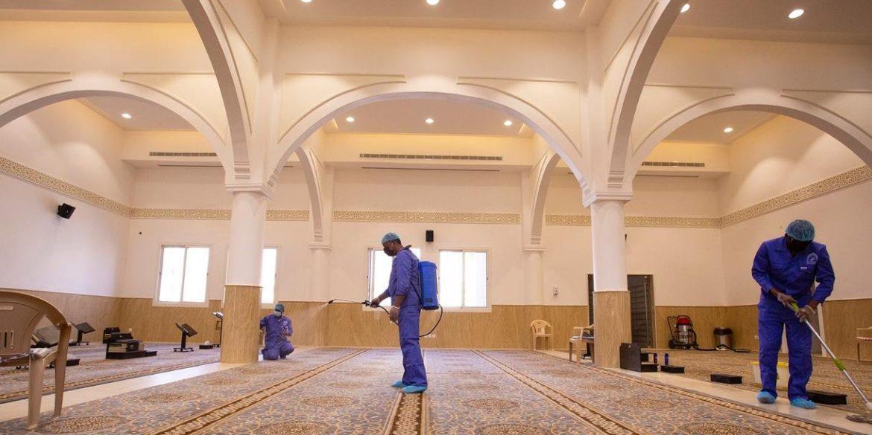 """""""الشؤون الإسلامية"""" تعيد افتتاح 12 مسجداً بعد تعقيمها في 3 مناطق"""