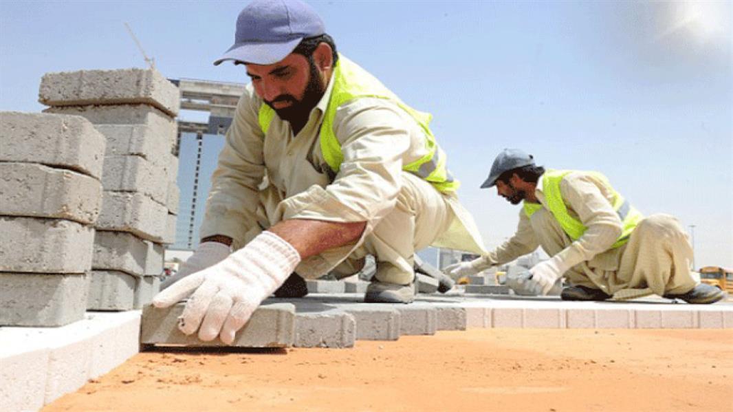 """""""الموارد البشرية"""" تعلن بدء تطبيق قرار حظر العمل تحت أشعة الشمس من 15 يونيو الجاري"""