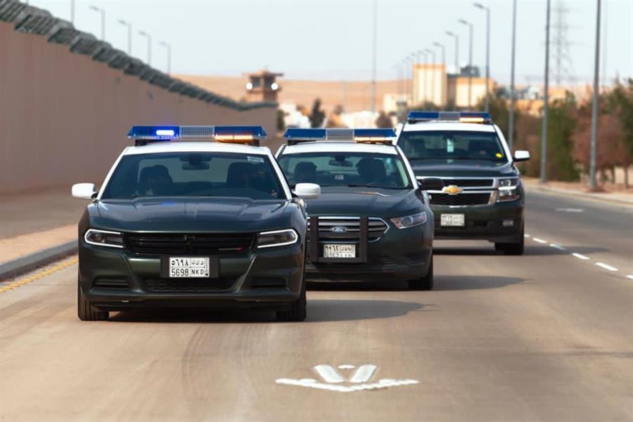 """""""شرطة مكة"""" تقبض على 12 شخصاً مخالفاً لنظام أمن الحدود"""