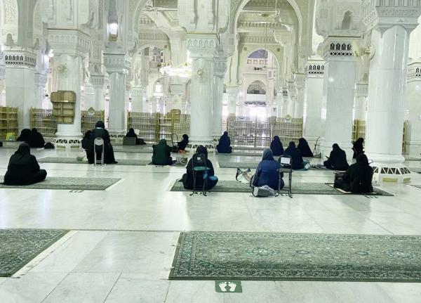 نجاح خطة تفويج قاصدات المسجد الحرام لأداء طواف الإفاضة لأول مرة بكوادر نسائية
