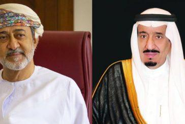 خادم الحرمين يتلقى اتصالا هاتفيا من سلطان عمان عبر فيه عن شكره على حفاوة استقباله خلال زيارته